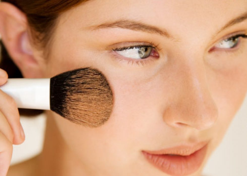 Why Natural Mineral Makeup is Better | Flourish